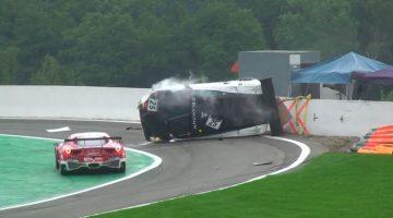 Lamborghini Gallardo GT3 crasht tegen pitmuur