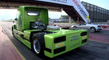 Dragrace Volvo Truck vs Ferrari 360 Spider