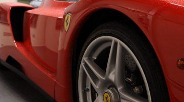 Een Ferrari Enzo Wassen Doe je Zo!