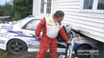 Rally auto neemt een kijkje in huis