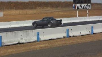 Mazda MX-5 maakt een bizarre save