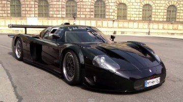 De enige Street Legal Maserati MC12 Corsa