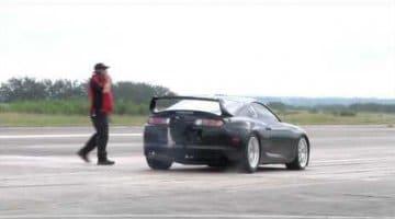 Toyota Supra doet 391km/h op Texas Mile