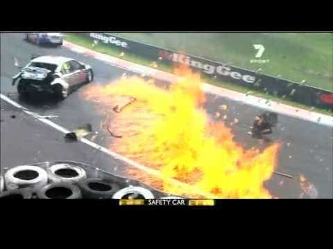 V8 Supercars 2011 - Bathurst 1000 Highlights