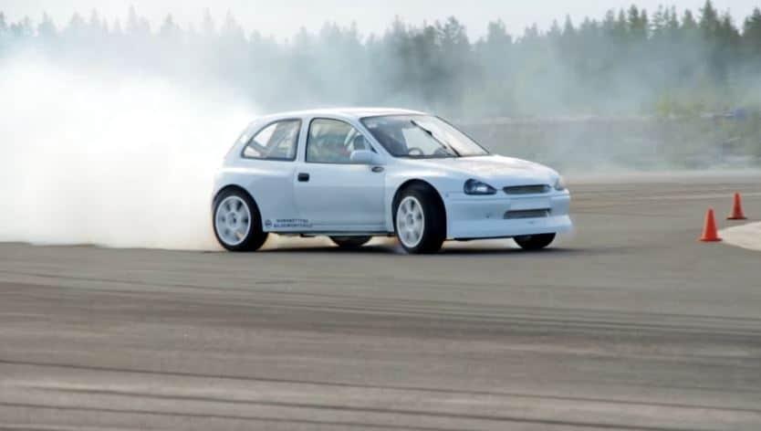 Opel Corsa 4x4 Turbo is een Mean Machine