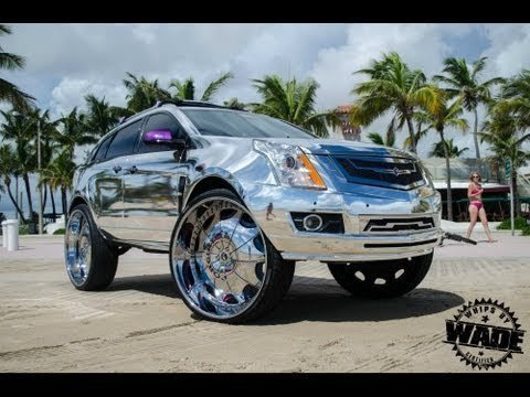 Cadillac SRX Chromed Up en Rollend op 32's