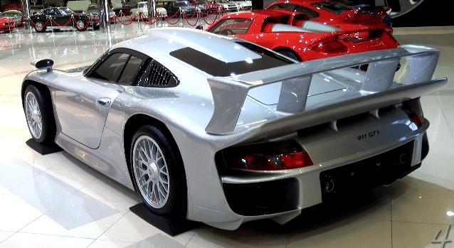 Video de sbh royal auto gallery van abu dhabi for Garage royal auto