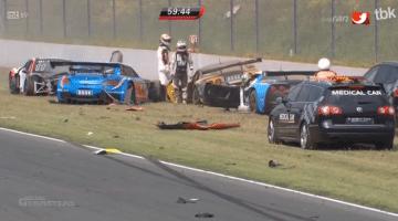 Bleekemolen betrokken bij mega-crash ADAC GT Masters