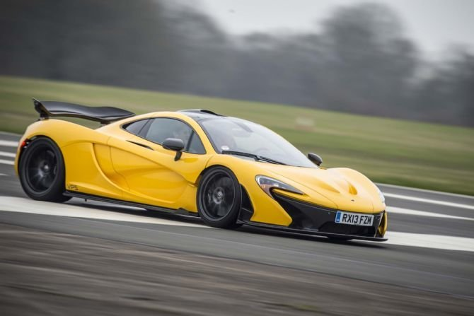 video mclaren p1 op het top gear test circuit. Black Bedroom Furniture Sets. Home Design Ideas