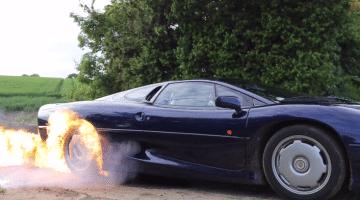 Jaguar XJ220 Flaming Burnout