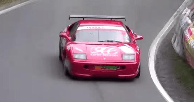 Ferrari 355 Challenge klinkt glorieus tijdens hillclimb