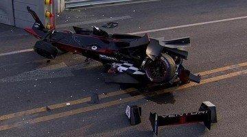 Formule E - Beijing ePrix Highlights met Mega Crash