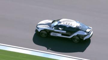 Audi RS7 racet zichzelf over Hockenheim