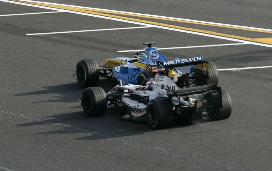 F1 Battle - Raikkonen vs Fisichella Suzuka 2005