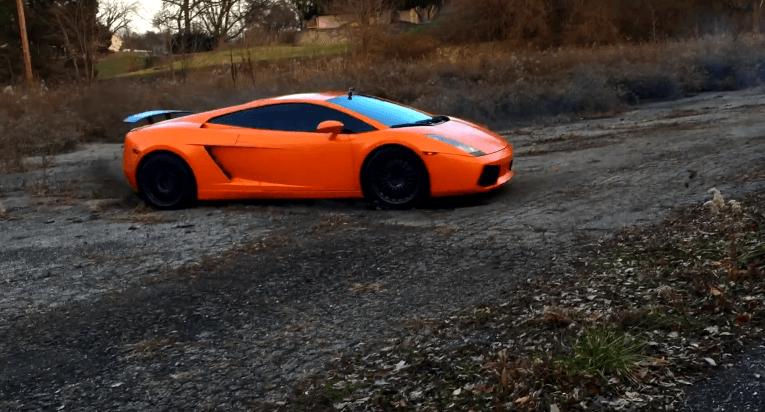 Lamborghini Gallardo warmt zich op voor rally debuut