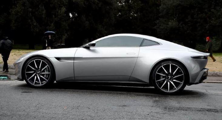 Aston Martin DB10 op de set van James Bond's Spectre