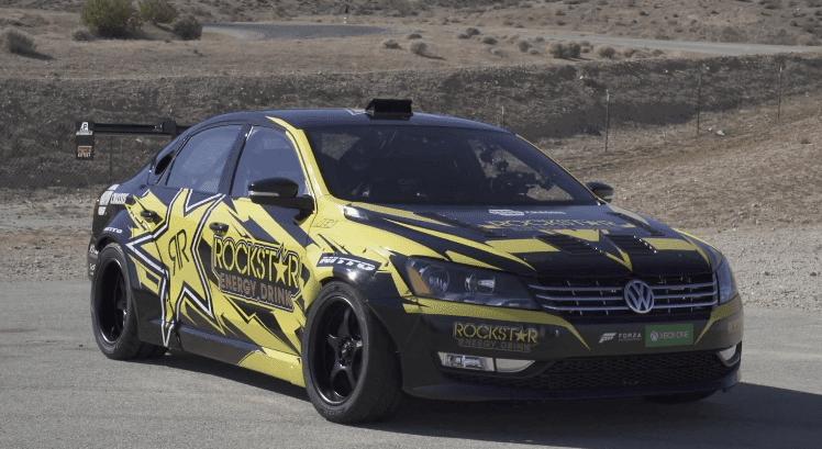 Tanner Foust gaat driften in een 900 pk VW Passat