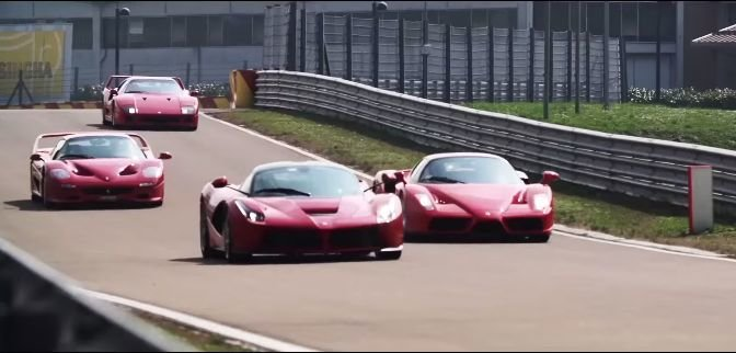 Ontmoet de testrijder van deze Ferrari Hypercars