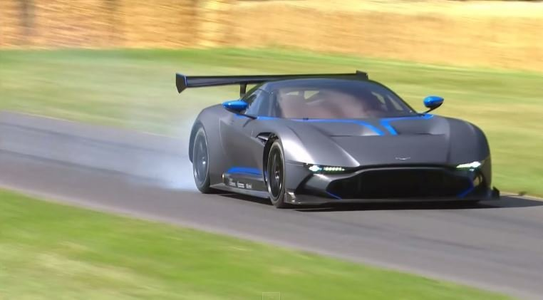 Aston Martin Vulcan debuteert op Goodwood