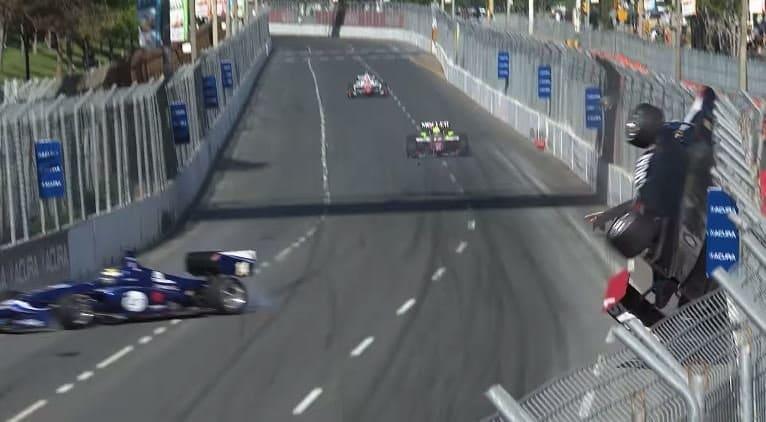 Indy Lights coureur ongedeerd na megacrash