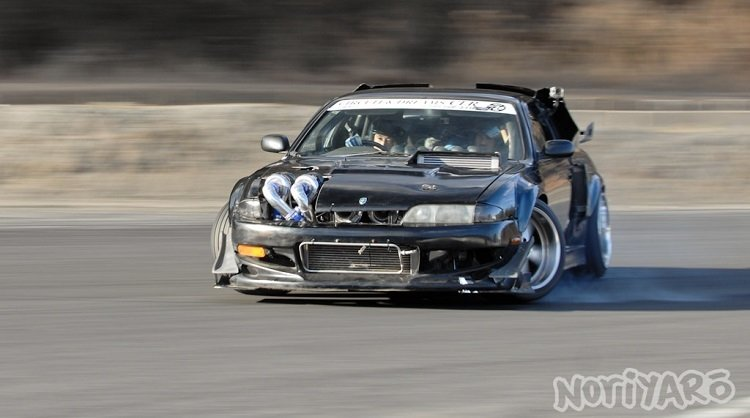 Deze 2JZ Nissan Silvia heeft 4 Turbo's!