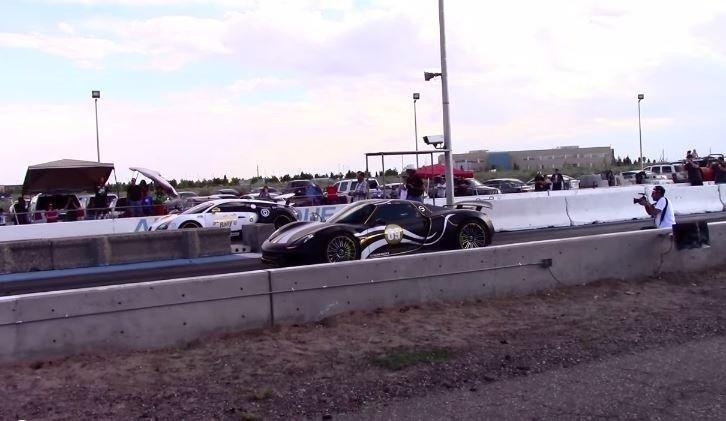 Porsche 918 Spyder vs Bugatti Veyron Super Sport
