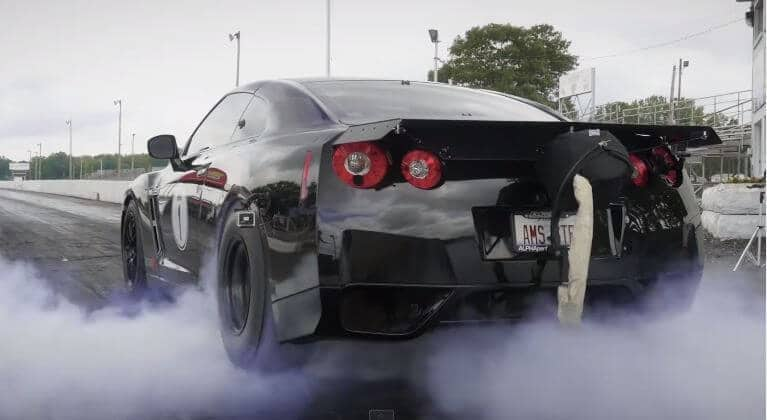 De vernietigende kracht van de AMS Omega GT-R