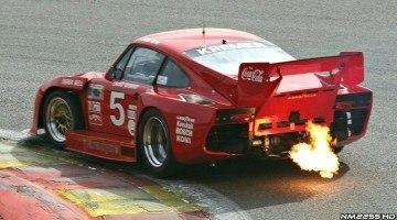 Kremer Porsche 935 K3 vuurspuwend op Monza