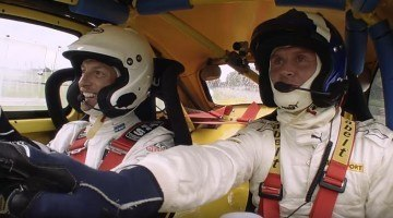 Jenson Button neemt het op tegen David Coulthard in rallycross