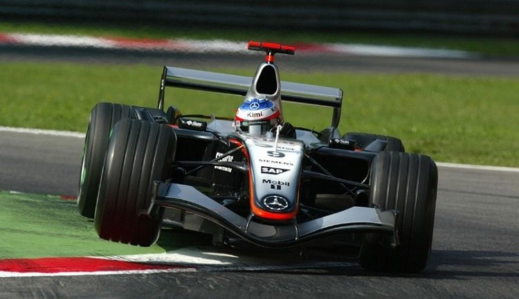 Video: F1 Battle – Alonso vs Raikkonen Monza 2005