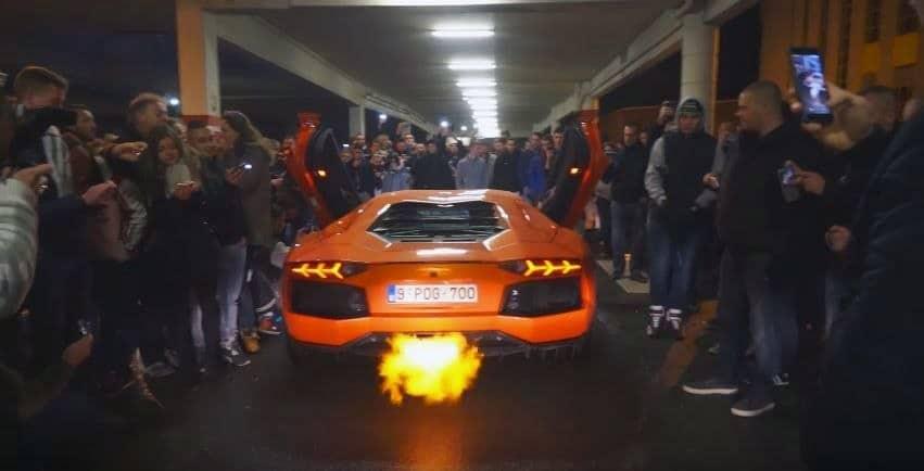 Ricers worden wild van Aventador en 458 Speciale