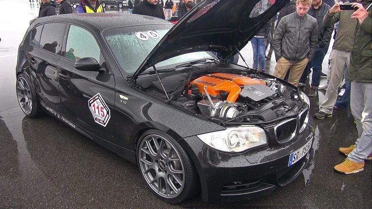 BMW 150i met 750 pk