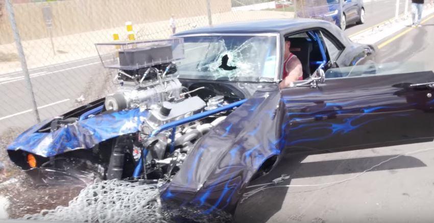 Camaro dragster slooft zich ook uit na meeting