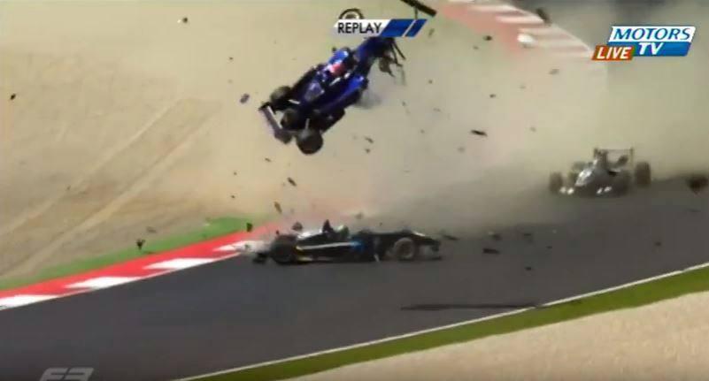 Ongelooflijke crash tijdens Formule 3 race op de Red Bull Ring