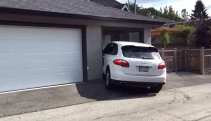 Video 16 jarige probeert snel mama 39 s cayenne te for Garage porsche caen