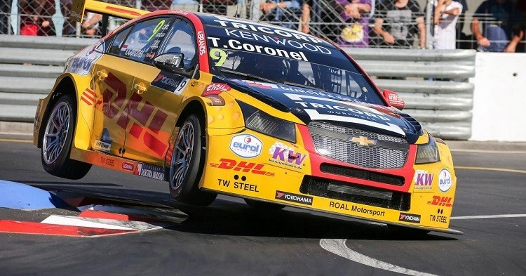 Tom coronel wint wtcc in Portugal