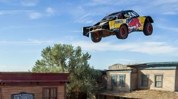 Bryce Menzies springt 115 meter met Pro 2 Race Truck