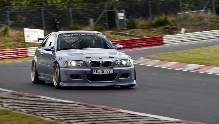 Rondje touristenfahrten in een BMW M3 CSL