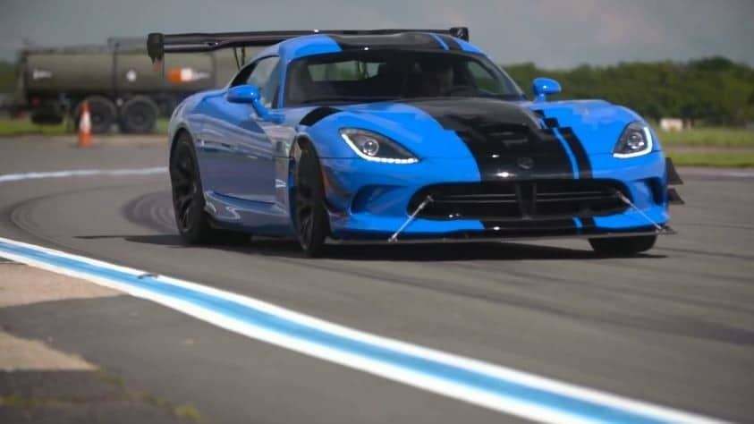 video chris harris test de dodge viper acr. Black Bedroom Furniture Sets. Home Design Ideas