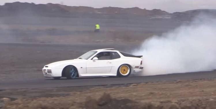 porsche-944-turbo-drift