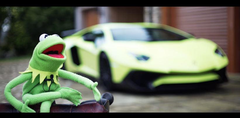 Kermit de Kikker heeft een Lamborghini SV