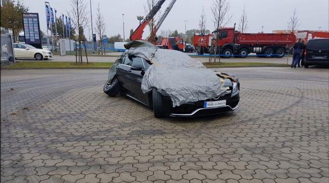 Mercedes-AMG C63 S Drift Fail