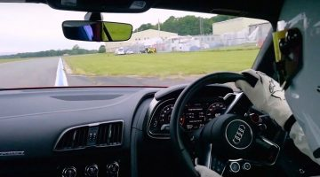 Onboard bij The Stig in de Audi R8 V10 Plus