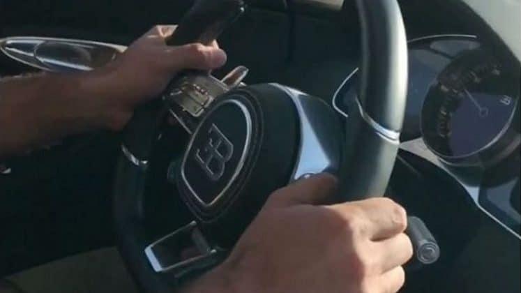 De Bugatti Chiron sprint met speels gemak naar 250