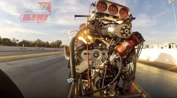 Zie hoe een supercharger loskomt van de motor