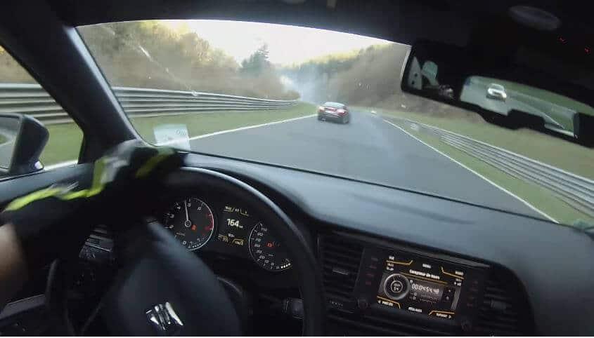 Audi TT RS spint over olie