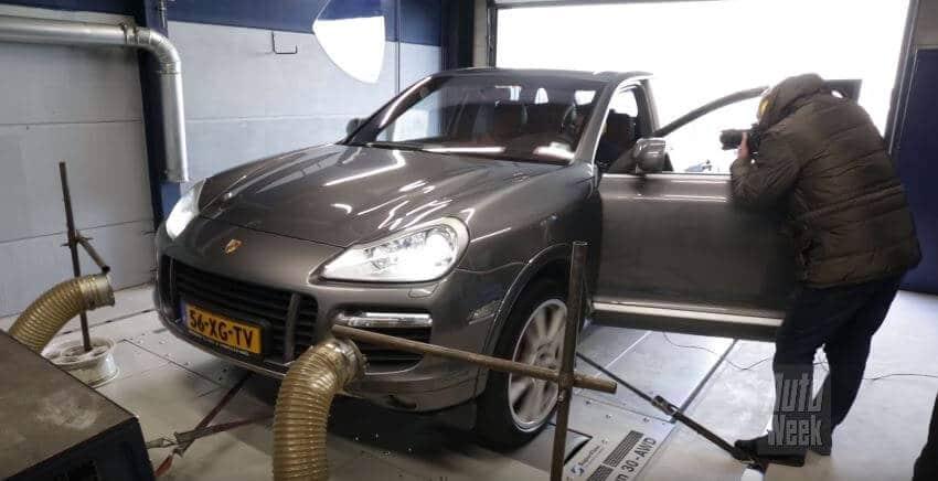 Porsche Cayenne Turbo op de rollenbank