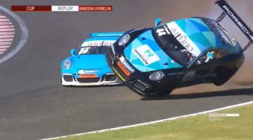 Porsche 911 GT3 Cup Crash