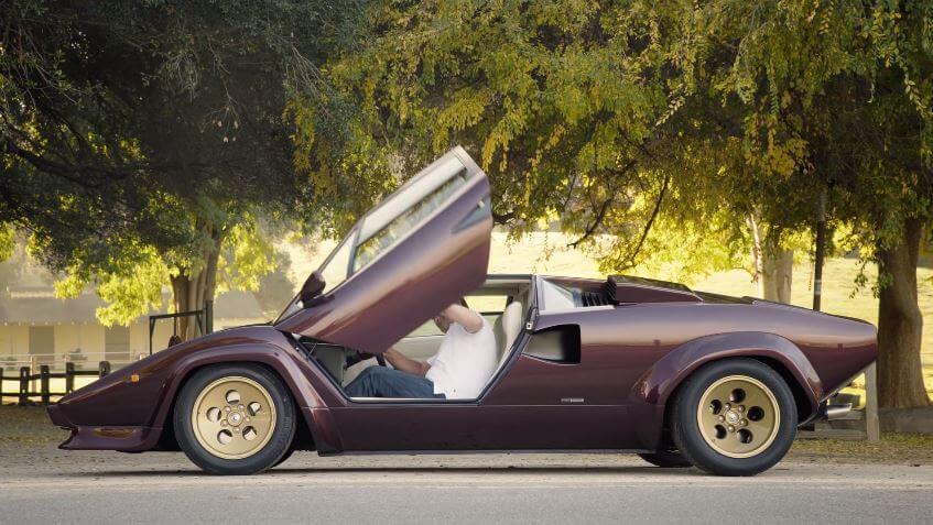 Valentino Balboni test Lamborghini Countach