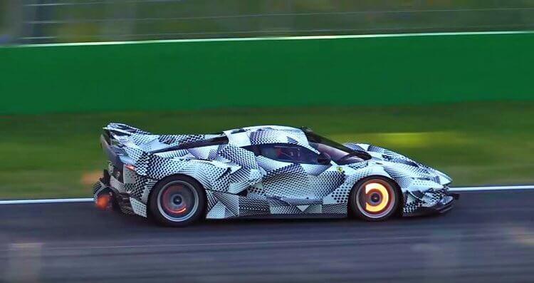 Nieuwe-LaFerrari-FXX-K-blaast-over-Monza